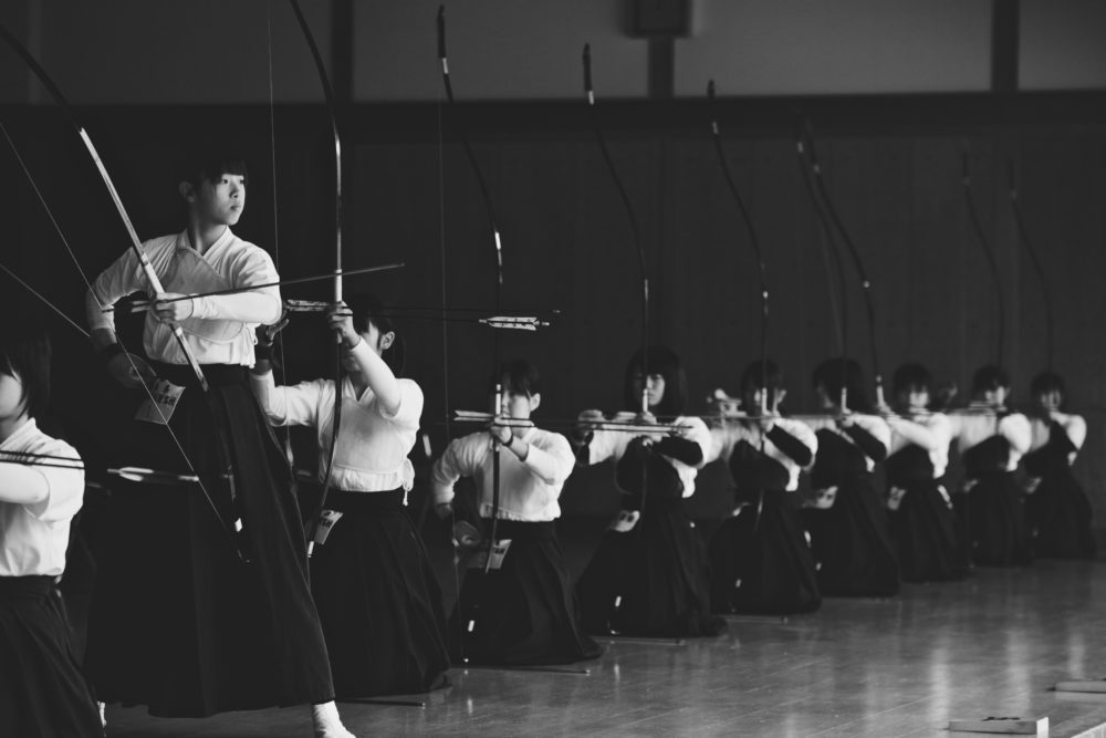 アルシェ/弓道家たち - credit Nishi Drew (Kyudo Tournament)